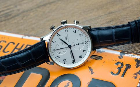 该怎么保养万国手表呢?