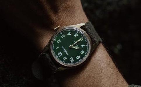 为什么万宝龙手表有误差?
