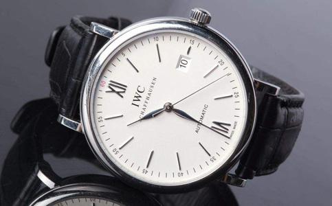 万国手表停走是怎么回事?