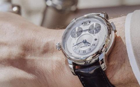 万宝龙手表的保养方法