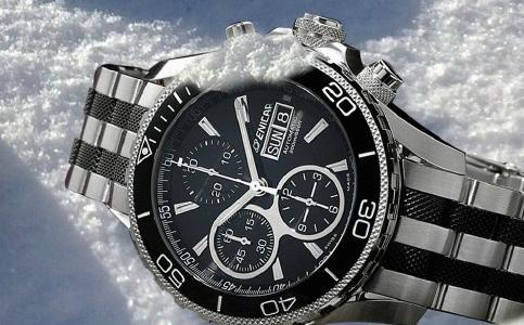 英纳格手表表蒙划花怎么办?
