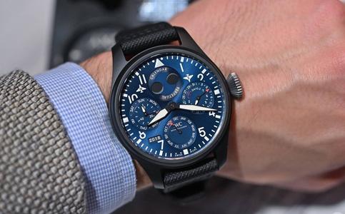 万国手表表把掉落怎么办?
