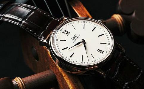 万国手表表盘生锈的相关知识