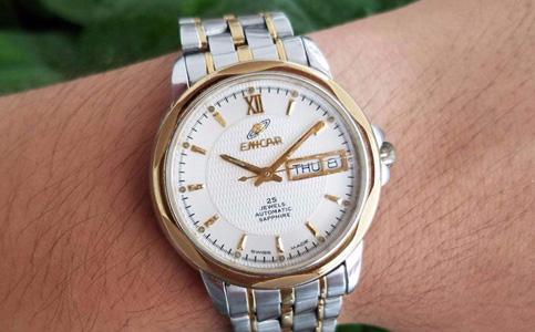 英纳格手表表蒙刮花了怎么办?